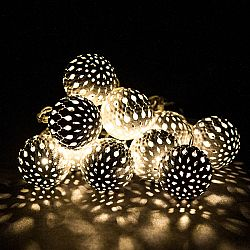 Svetelná LED řeťaz s 10 kovovými guľôčkami, biela